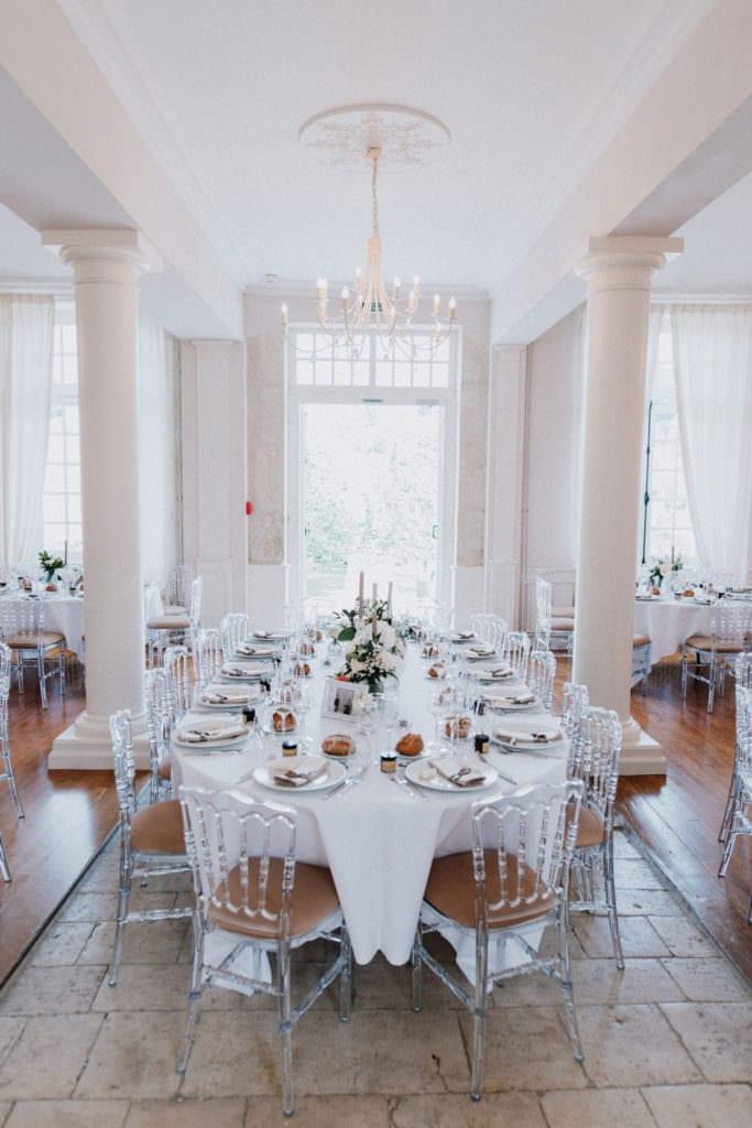 photo d'une table décorée pour un mariage en provence.