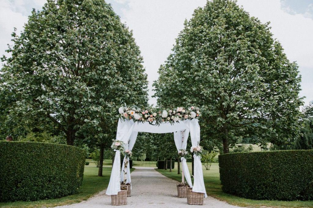 huppa décorée pour un mariage juif à Nancy au château de Vandeléville